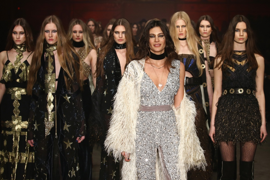 """Raissa & Vanessa Sason Runway - Mercedes-Benz Fashion Week Istanbul Autumn/Winter 2016"""